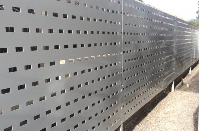 Металлический забор из нержавеющего листа